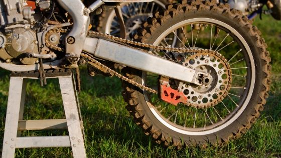 how to tighten up the dirt bike chain
